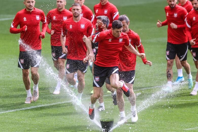 Jerzy Brzęczek jako selekcjoner wprowadził Polskę na Euro 2020, ale w turnieju drużynę poprowadzi Paulo Sousa. Portugalczyk swoimi wyborami wywołał mętlik