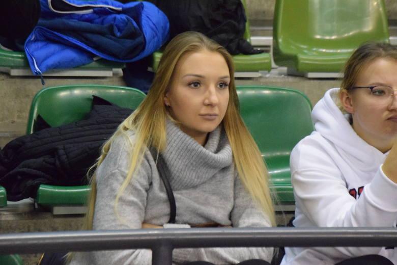 PGE VIVE Kielce pokonało w sobotę wieczorem Mieszków Brześć 30:24 w meczu Ligi Mistrzów piłkarzy ręcznych. Byłeś na tym meczu? znajdź się na zdjęcia