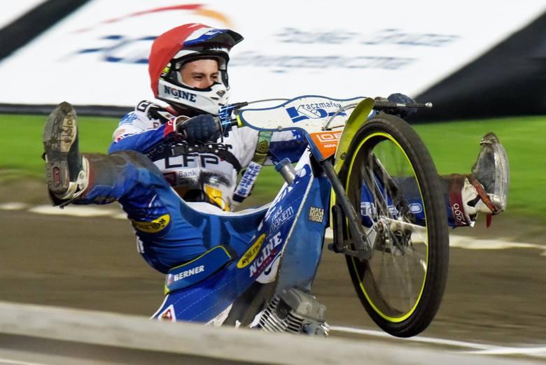 Sponsor tytularny Speedway Ekstraligi tnie wydatki na sport. To nie koniec problemów żużla. Wartość nowego kontraktu z telewizją może spaść nawet o połowę,