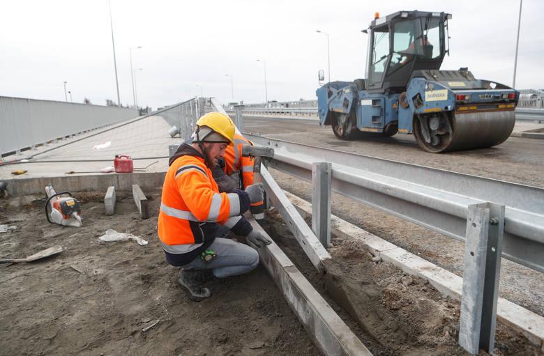 Drogowcy zapowiadają, że łącznik Rzeszowa z drogą ekspresową S19 otworzą 7 grudnia.