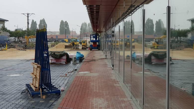 """Trwa budowa """"A Centrum"""" w Strzelcach Opolskich."""