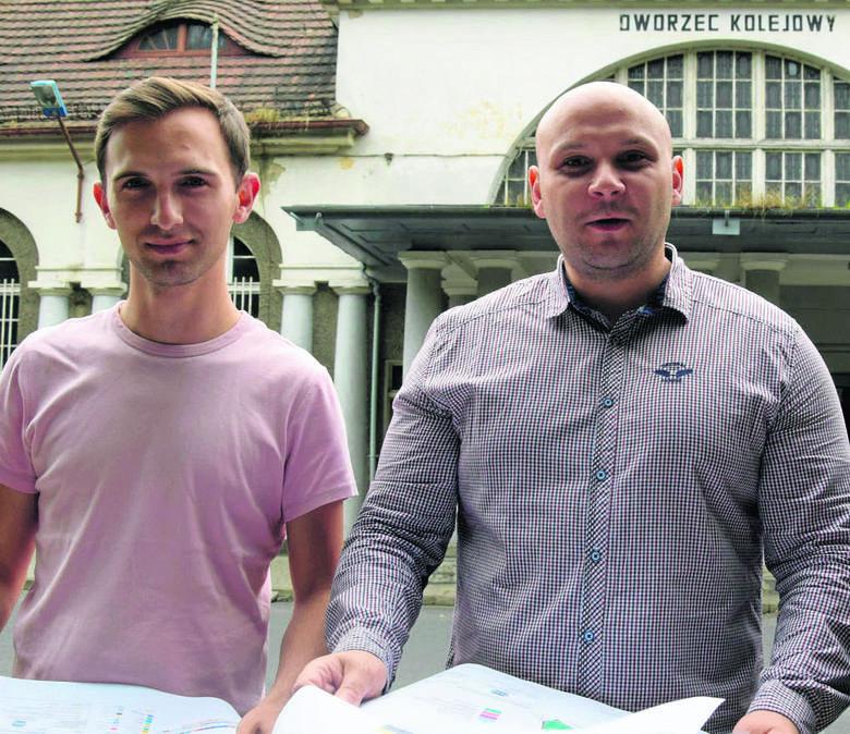 Jesteśmy niewinni - przekonują radni Grzegorz Kuźniar i Tomasz Kwarciński