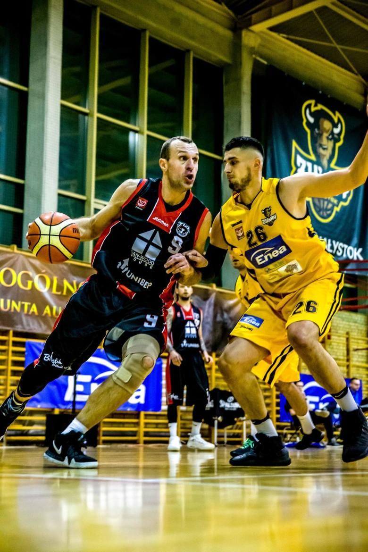 Mecz II ligi koszykówki Żubry Białystok - Tur Basket Bielsk Podlaski