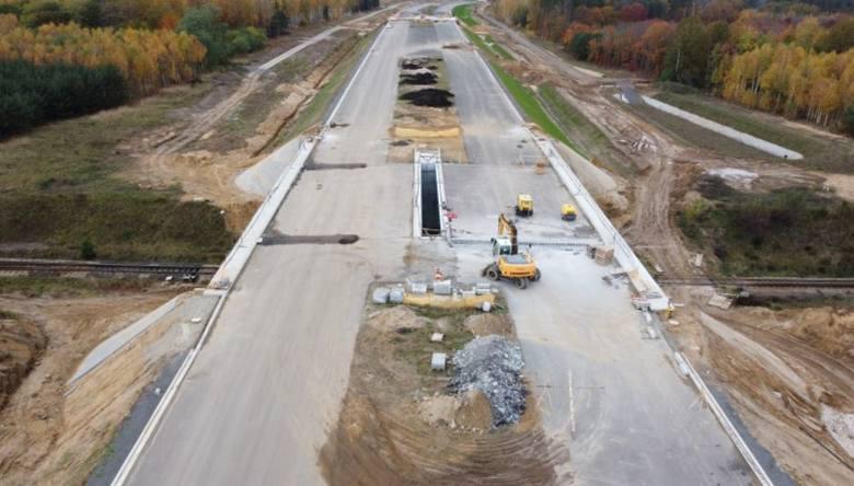 W 2020 roku na Dolnym Śląsku przybyło około 50 km dróg ekspresowych. Ruszyła też budowa najdłuższego tunelu w Polsce drążonego w skale w pobliżu granicy