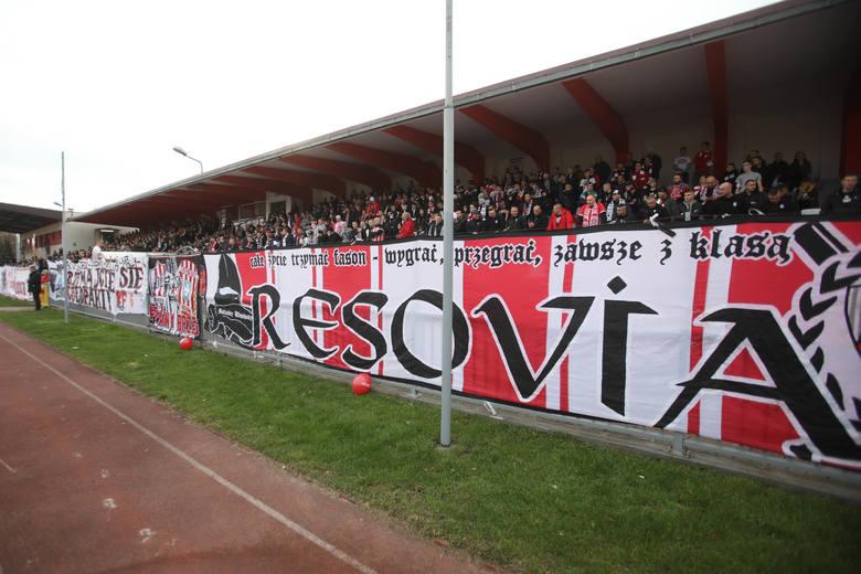 Apklan Resovia - GKS Katowice 2:2 (0:2)Bramki: 0:1 Rogalski 9, 0:2 Dejmek 24, 1:2 Radulj 53-karny, 2:2 Radulj 90+6-karny. RELACJA Z MECZU.