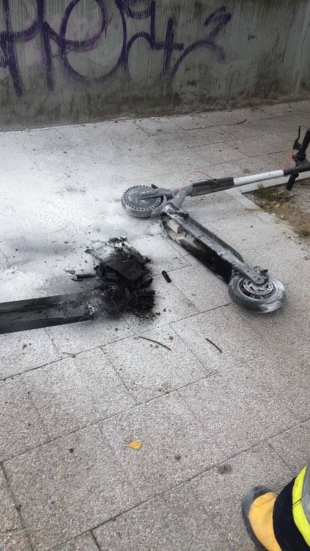 Elektryczna hulajnoga spłonęła w Sopocie. Czy pojazdy ze wspomaganiem elektrycznym są bezpieczne? [zdjęcia, wideo]