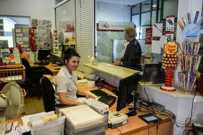 Poczta Polska w końcu honoruje karty płatnicze na masową skalę