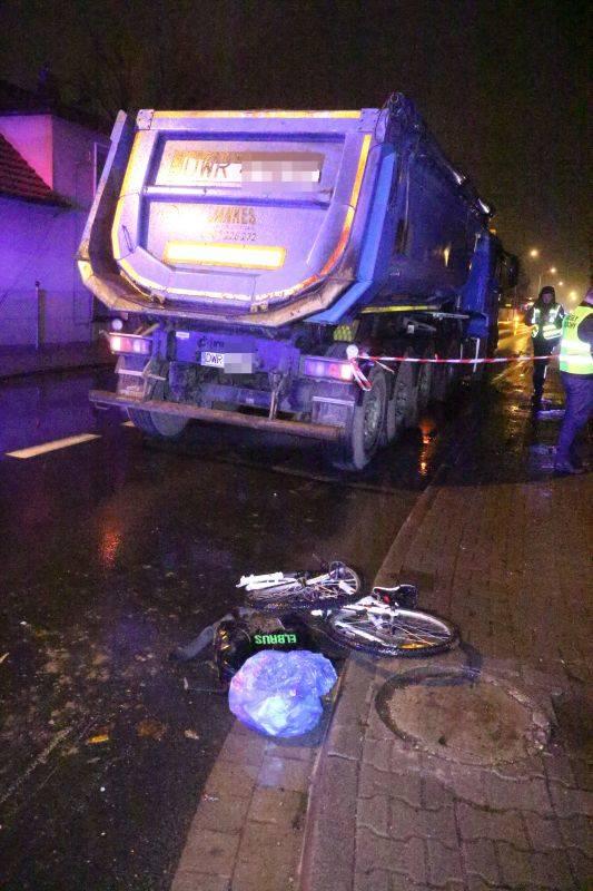 Tragedia w Bielanach Wr. Nie żyje 10- letni rowerzysta potrącony przez ciężarówkę