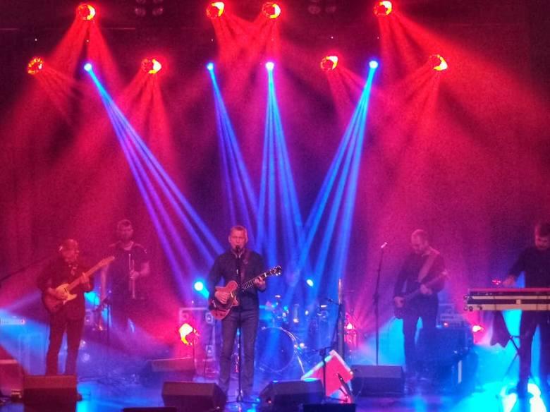 Zjawiskowo, magicznie, super mega - tak nowosolanie komentują koncerty zespołu Raz, Dwa, Trzy, które odbyły się w Nowej Soli w niedzielę