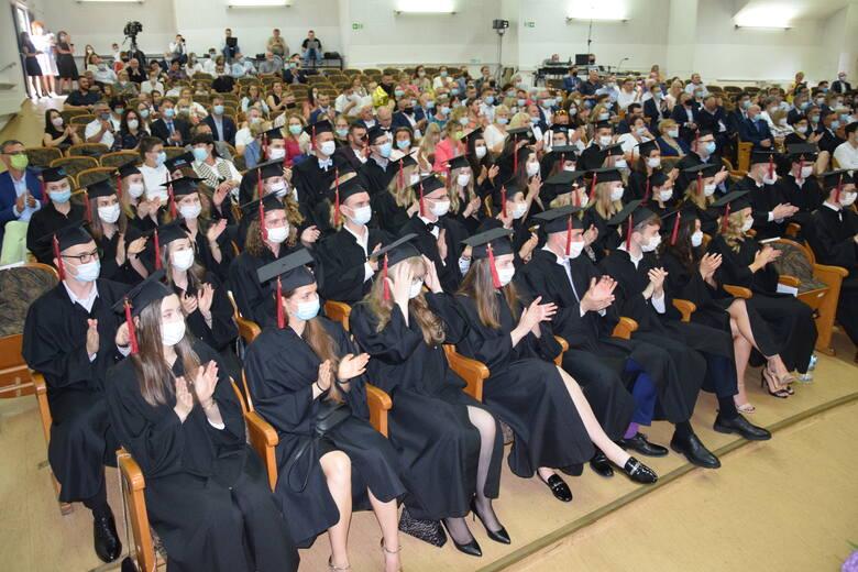 Absolutorium pierwszych absolwentów medycyny na Uniwersytecie Zielonogórskim