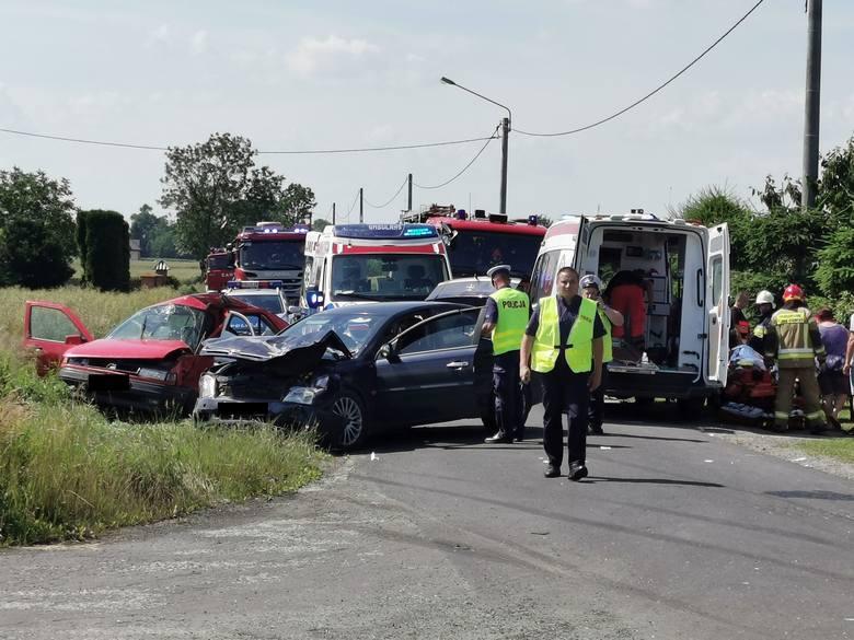 Wypadek w powiecie radziejowskim. 6 osób rannych, w tym kilkuletnie dziecko [zdjęcia]