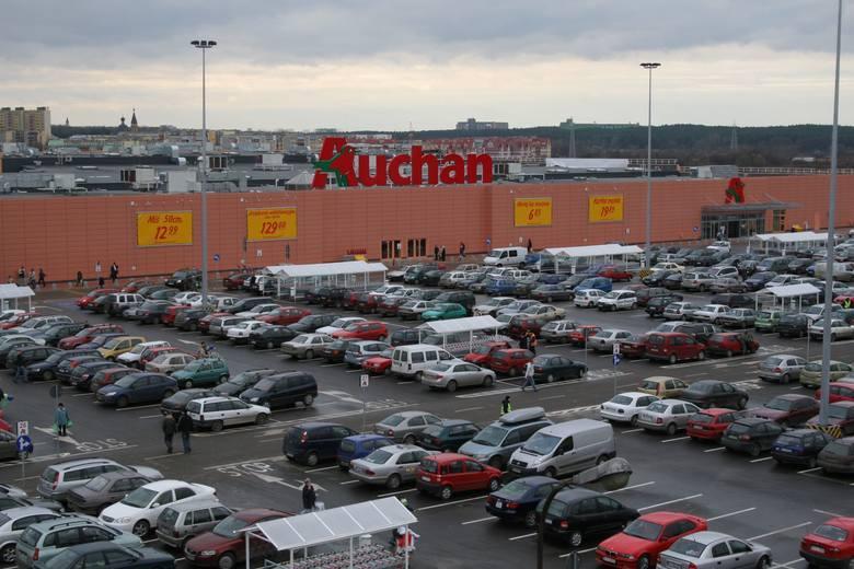 0504faeab8 W jakich sklepach zrobimy zakupy  Gdzie na zakupy w Białymstoku   LISTA  SKLEPÓW W CENTRACH HANDLOWYCH . Centrum handlowe Auchan Produkcyjna  znajduje się w ...