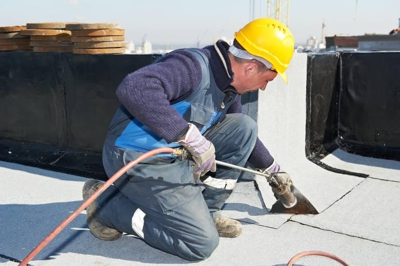 Nasze rachunki za ogrzewanie zależą przede wszystkim od zapotrzebowania budynku na ciepło. Wpływ na to ma m.in. wiek budynku, stan i wielkość okien,