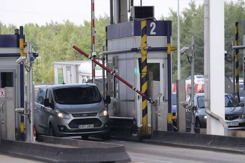 Aby przejechać autostradą bez zatrzymywania się przy bramkach, należy na stronie autopay.pl lub w aplikacji Autopay założyć swoje konto.