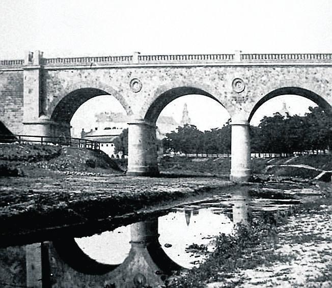 Wiadukt nad Starą Wisłą ok. 1885 roku