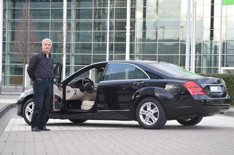 Przejrzeliśmy oferty sprzedaży najdroższych aut używanych we Wrocławiu. Zobaczcie najdroższe auta oferowane do sprzedaży w serwisie moto.gratka.pl. Wystarczy