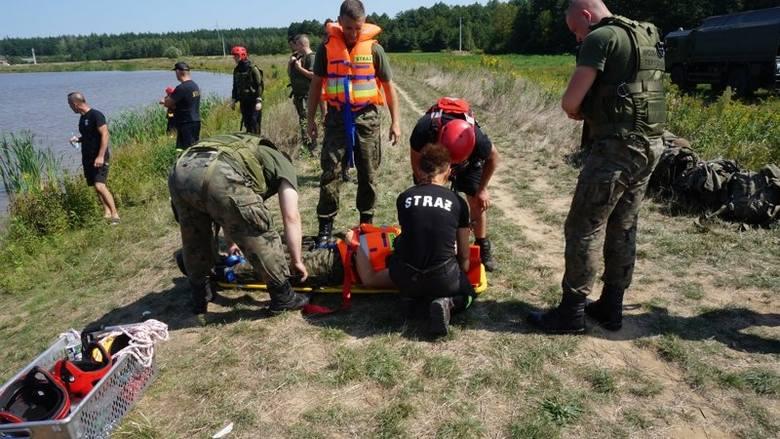 Na zbiorniku wodnym w Musikowie k. Stalowej Woli, odbyły się ćwiczenia Wojsk Obrony Terytorialnej z jednostkami PSP i OSP. Celem szkolenia było doskonalenie