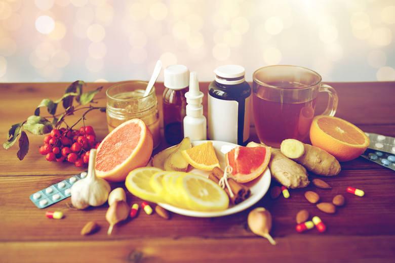 Naturalne sposoby na leczenie przeziębienia, które wykorzystywały nasze babcie, są prawie tak powszechne, jak samo przeziębienie, ale czy rzeczywiście