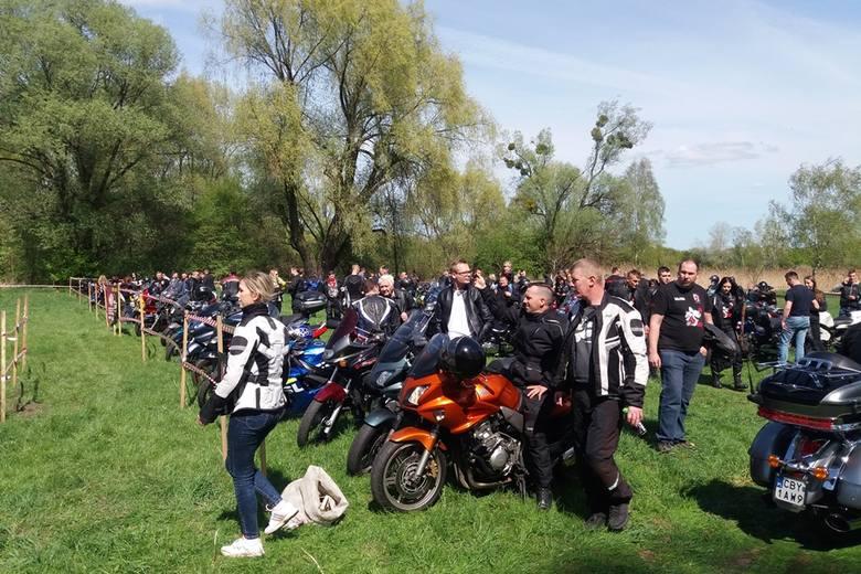 Około 150 motocyklistów z powiatu aleksandrowskiego i okolic przyjechało, by uroczyście zainaugurować sezon. Podczas pikniku mogliśmy podziwiać niesamowite
