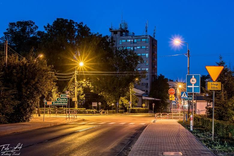 Kierowców, którzy wjeżdżają do Kluczborka od strony Wołczyna, zawsze wita kluczborski Sky Tower.