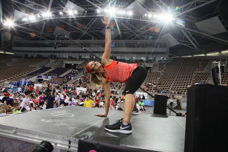 Anna Lewandowska prowadzi trening
