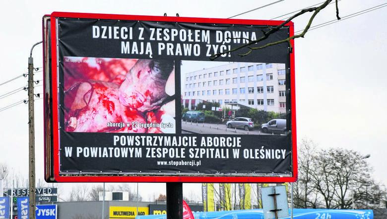 W Oleśnicy pojawiły się billboardy z  szokującymi zdjęciami martwych płodów.  Z naszych informacji wynika, że oleśnickie agencje reklamowe odmówiły ich