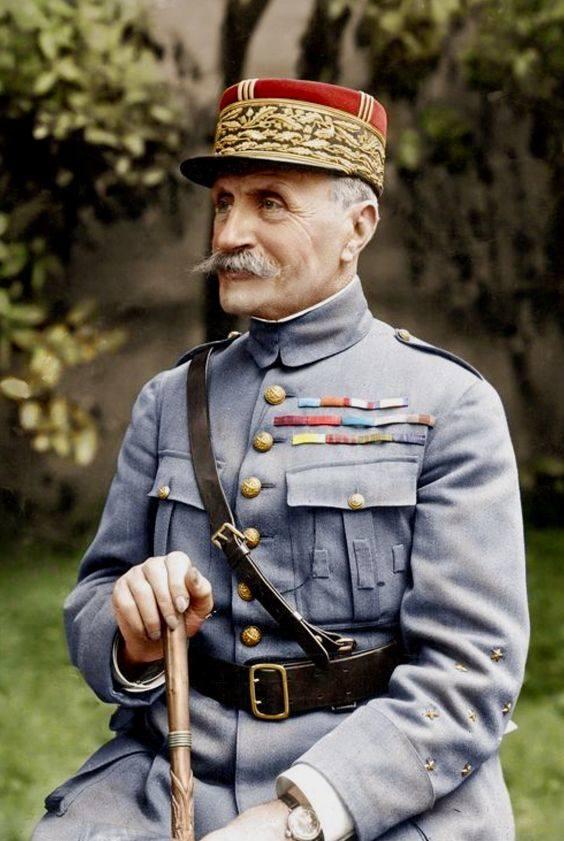 Marszałek Ferdynand Foch dbał - w interesie Francji - by linia demarkacyjna była wprowadzona, dążył do zatrzymania walk w Wielkopolsce