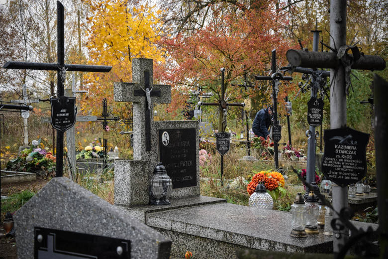 Cmentarz we wsi Gołąb (powiat puławski)