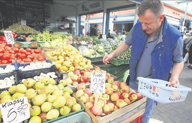 W moim domu je się bardzo dużo warzyw i owoców – mówi pan Piotr ze Szczecina. – Szczególnie uwielbiamy jabłka. Kupujemy je przez cały rok, nałożenie