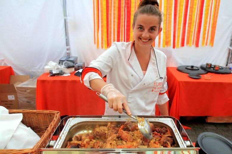 W sobotę, 1 czerwca, na wrocławskim Rynku spróbujemy potraw z 15 krajów Europy. W menu znalazły się m.in. zagorska juha (rodzaj chorwackiej zupy), šaltibarščiai