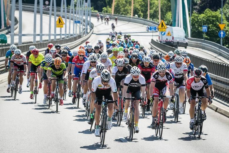 Kilkuset kolarzy ścigało się w niedzielę w zawodach Bydgoszcz Cycling Challene. To była już druga edycja imprezy, rozgrywanej na malowniczej Trasie Uniwersyteckiej.