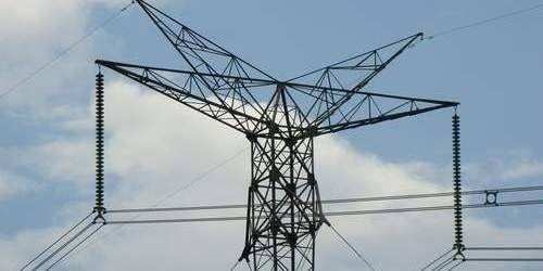 Niektóre miejscowości pozostaną bez prądu do jutra. Wigilię spędzą przy świecach.