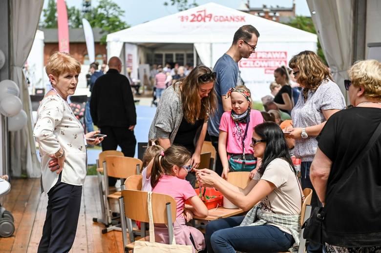 Święto Wolności i Solidarności w Gdańsku. Tłumy w Strefie Społecznej przed ECS. Co je przyciągnęło? [zdjęcia, wideo]