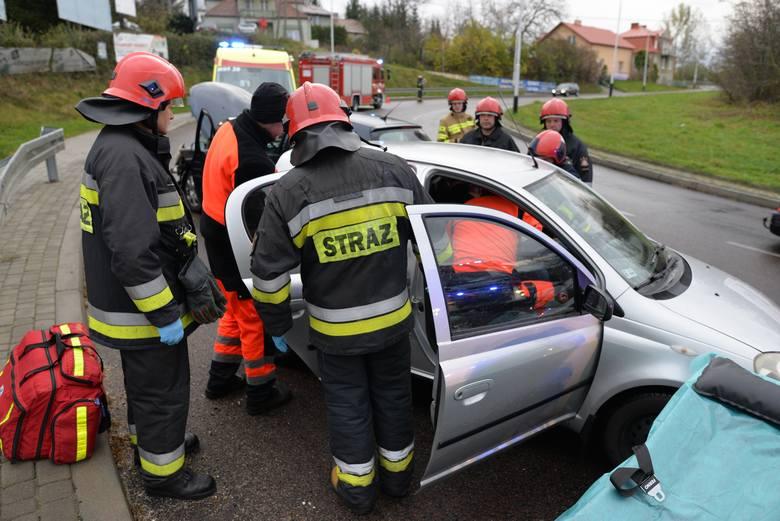Do wypadku doszło w sobotę na ul. Sobieskiego w Przemyślu.- Kierująca peugeotem 307, 29-letnia mieszkanka Przemyśla jadąc w kierunku ul. Krakowskiej,