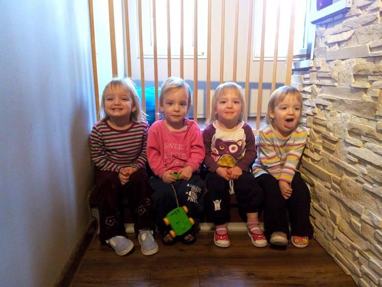 Tosia, Maja, Amelka i Tatianka mieszkają na ul. Kazimierza Wielkiego. Uczą się w SP 21 na Piaskach. Zobaczcie ich nowe i stare zdjęcia!<br />
