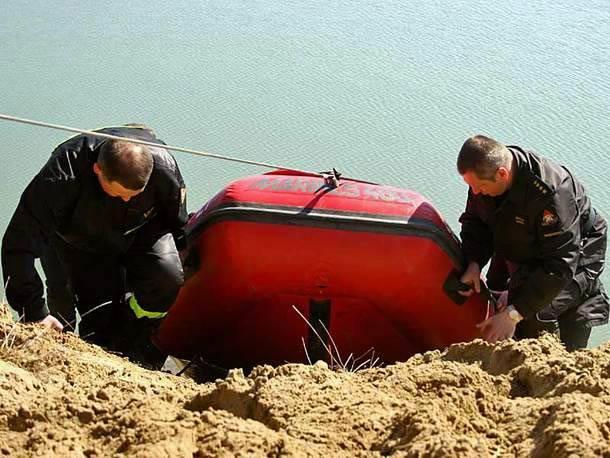 Mozolne przeszukiwanie stawów a potem przenoszenie sprzętu na następne zbiorniki wodne nic nie dało.