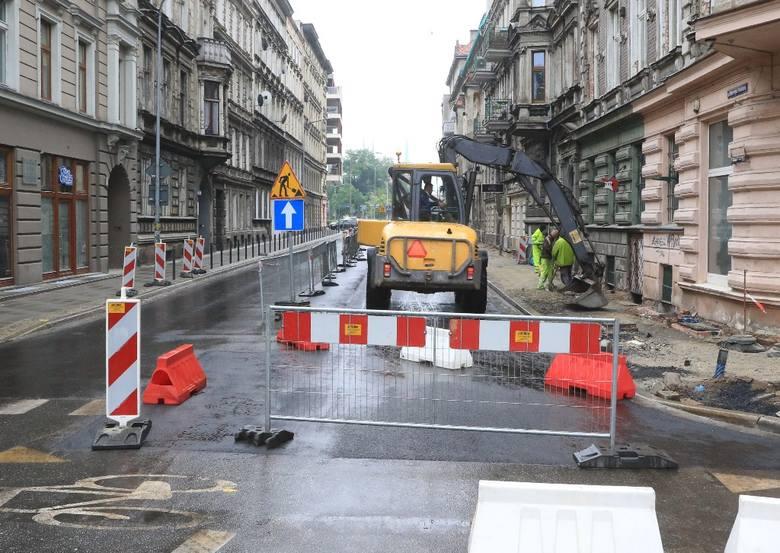 Remont Probusa na finiszu. Jest już asfalt, niebawem powstanie próg zwalniający (ZDJĘCIA)