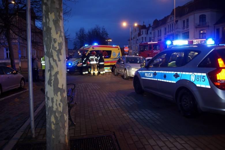 W czwartek wieczorem doszło do kolizji dwóch osobówek na skrzyżowaniu Anny Łajming i Tuwima. Ze wstępnych ustaleń policji wynika, że kierujący osobowym