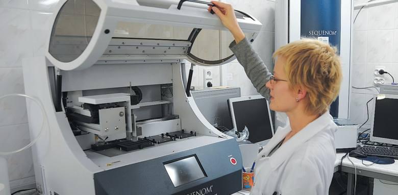 Dzięki najnowocześniejszej aparaturze będzie można szybciej wykrywać predyspozycje genetyczne pacjentów do chorób nowotworowych.