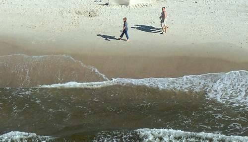 Dziwnów. Pijana turystka kąpała się z dzieckiem w morzu