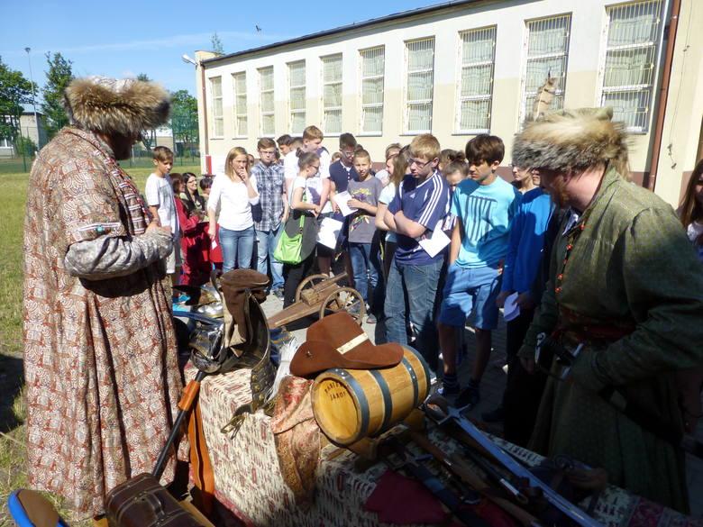 Na szczególną uwagę zasługuje gościnny występ grupy rekonstrukcyjnej Sarmackie Dziedzictwo, która zaprezentowała siedemnastowieczne sztuki walki.