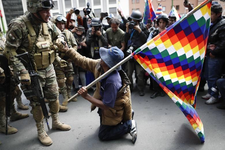 Chaos, niepokoje, przemoc na ulicach. Ameryka Łacińska powoli się rozpada