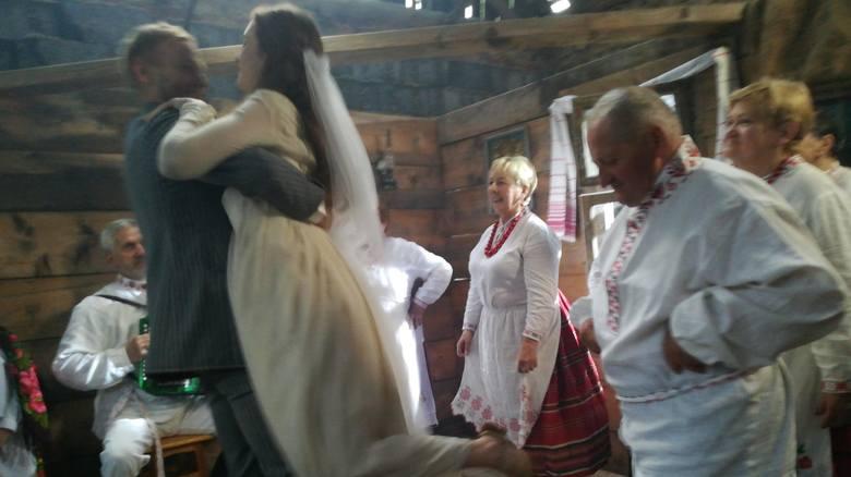 """W Białkowie nagrywane są sceny do filmu, którego producentem jest """"Gazeta Lubuska"""". Produkcja opowiada o Kresach, Rzezi Wołyńskiej,"""