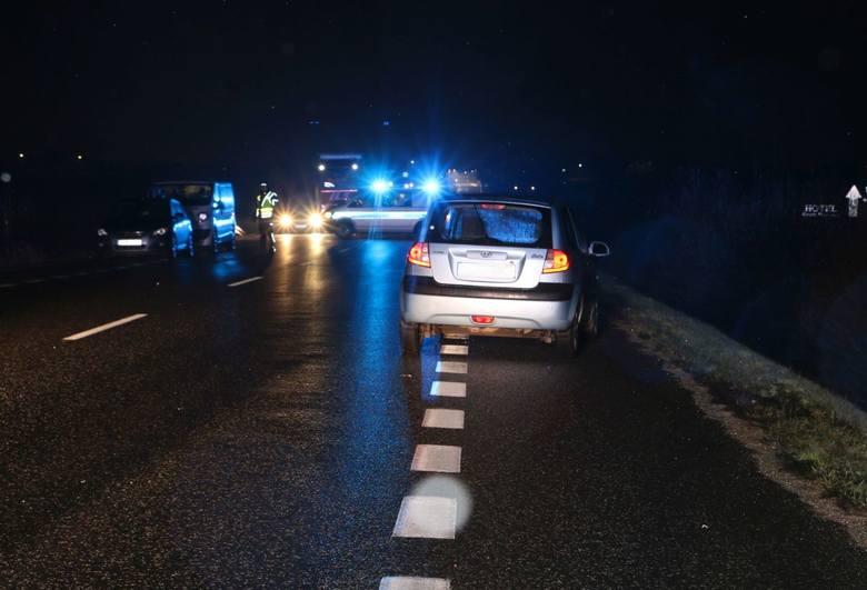 Nocna tragedia pod Buskiem. Na drodze krajowej numer 73 zginął mężczyzna z powiatu pińczowskiego