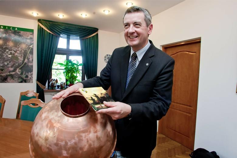 Wojciech Murdzek przegrał wybory i stracił gażę prezydenta Świdnicy. Teraz przechodzi na dietę - radnego powiatu