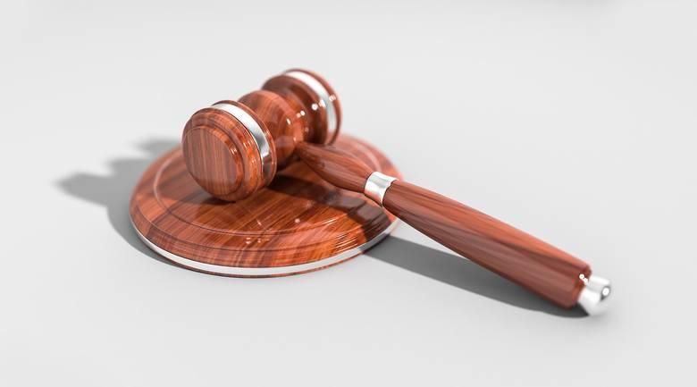 W lipcu ojciec zabrał dzieci matce i nie chciał ich oddać nawet po decyzji sądu o tymczasowej opiece naprzemiennej. Teraz dzieci mają wrócić do matki,
