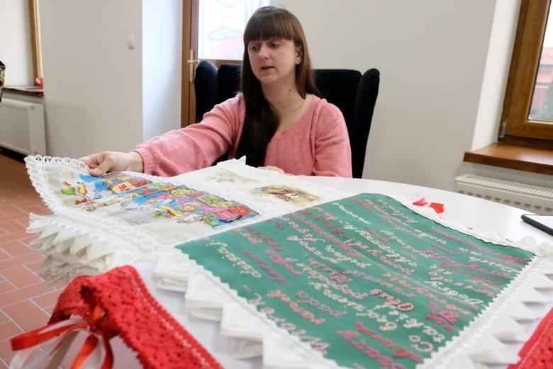 Mieszkanka Przechlewa Olga Stelmach wykonała pierwszą w Polsce haftowaną książkę dla dzieci!