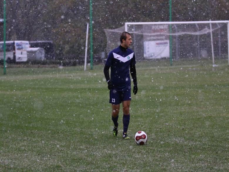 Piłka nożna. III liga śląsko-opolska. Swornica Czarnowąsy -  Szczakowianka Jaworzno 0-4