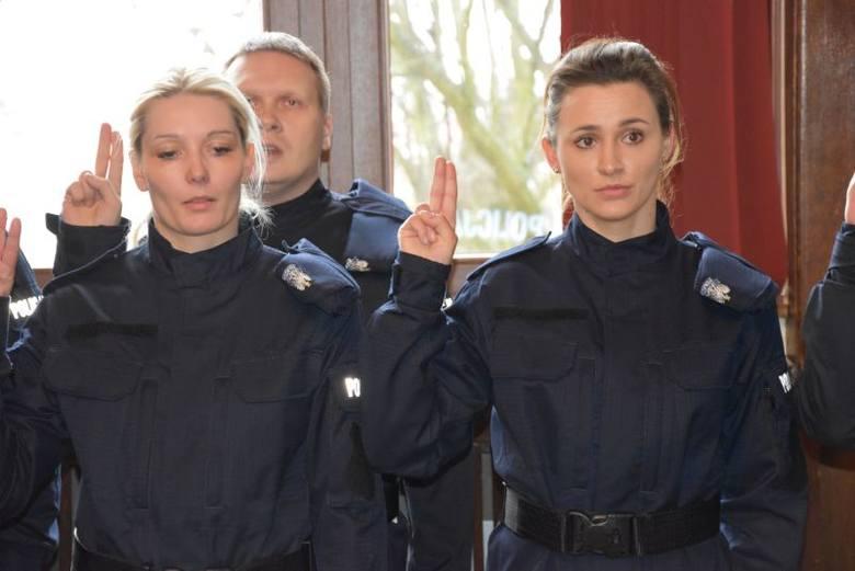 W sali Rycerskiej Urzędu Wojewódzkiego w Szczecinie odbyło się uroczyste ślubowanie nowo przyjętych policjantów. Młodzi adepci otrzymali akty mianowania