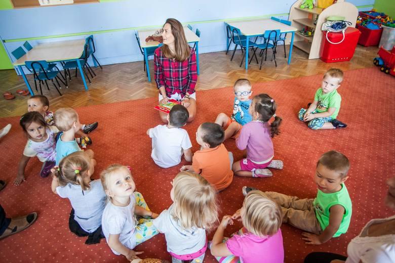 Anita SokołowskaPrzedszkole nr 46 akcja cała Polska czyta dzieciom z udziałem aktorki Anity Sokołowskiej